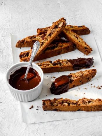 Anna_Lee_Eats_Mandel_Schokoladen_Cantuccini