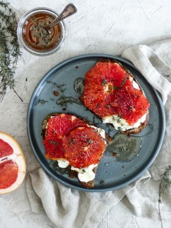 Anna_Lee_Eats_Toast_Ricotta_Grapefruit