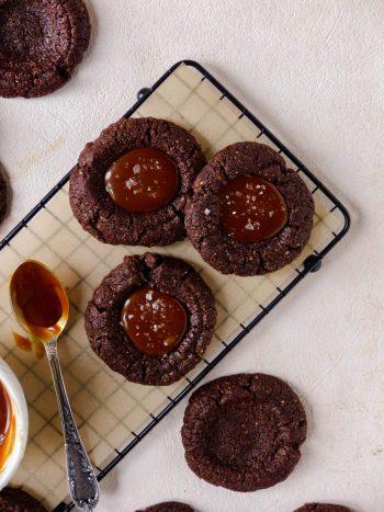 Anna_Lee_Eats_Vegane_Schokoladen_Cookies_Dattel_Karamell